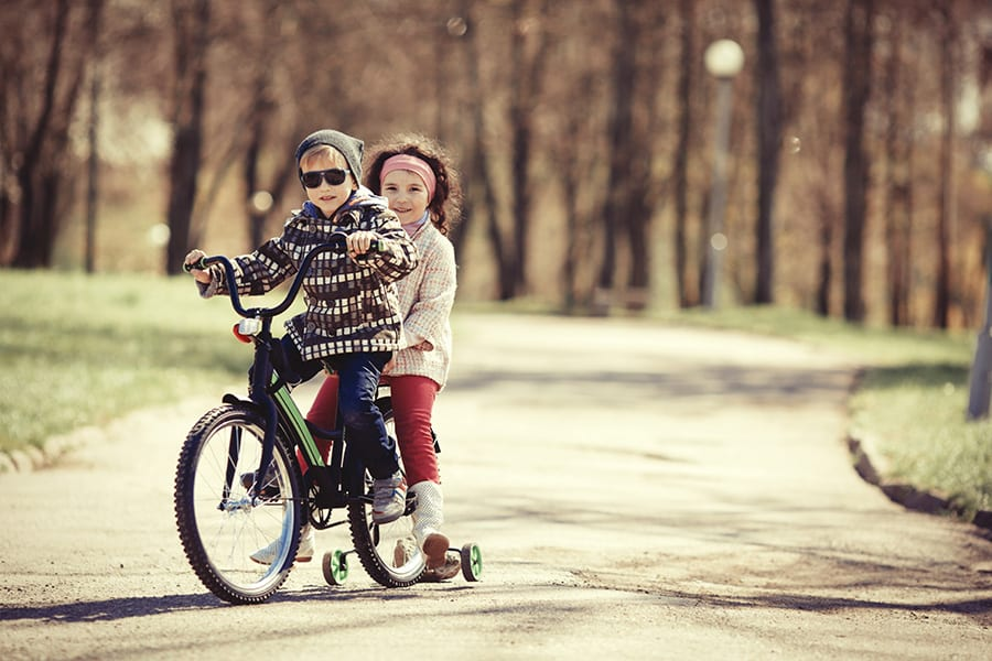 kids-on-bike-900